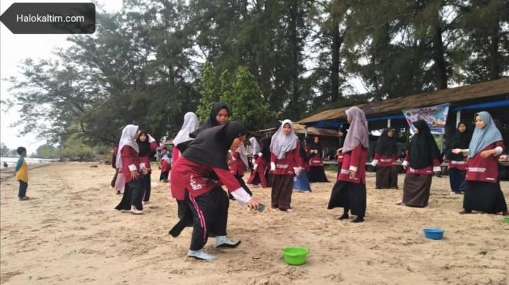 SMPIT Darussalaam Ajak Muridnya Belajar di Tempat Wisata