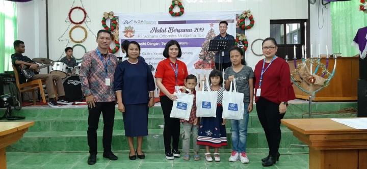 WOM Finance Rayakan Natal di Sekolah Galilea