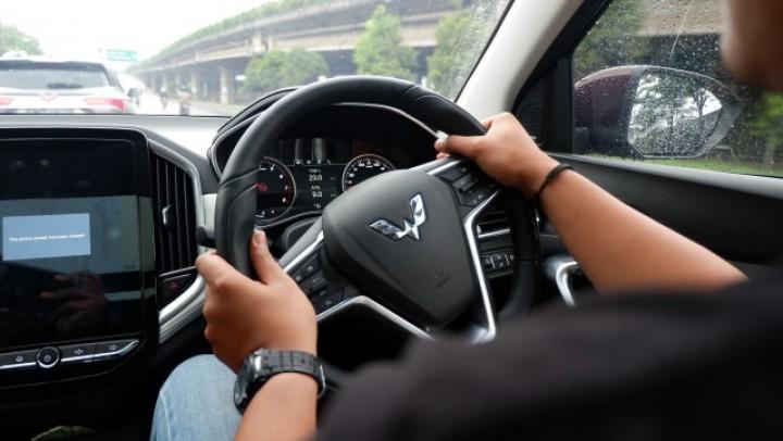Awas! Hindari Kebiasaan Memutar Setir Mobil Sampai Mentok • Klik Kaltim