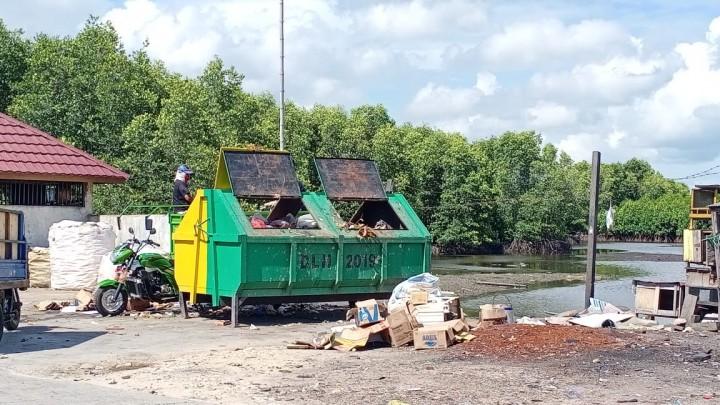 Cerita Saban, Mampu Kumpulkan Sampah Setengah Ton Hari-Hari dari Laut Bontang