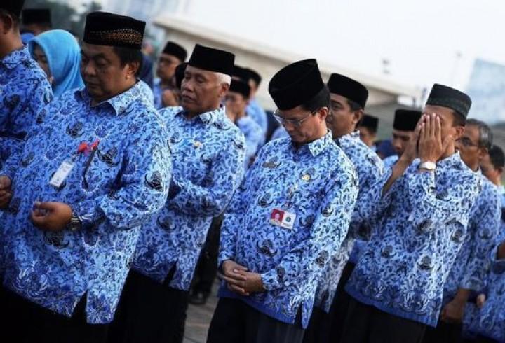 Corona, Jokowi Cuma Bayar THR PNS Eselon 3