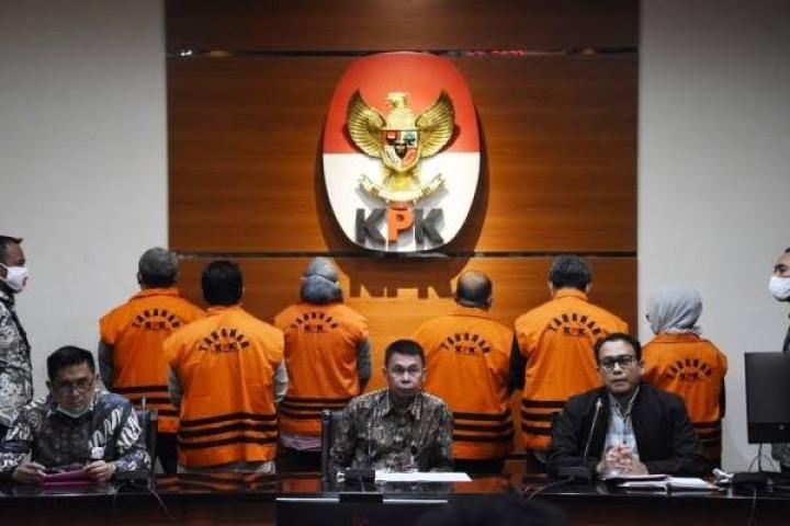 Korupsi di Kutim, Bupati 'Amankan' Anggaran, Dinas Atur Pemenang Proyek