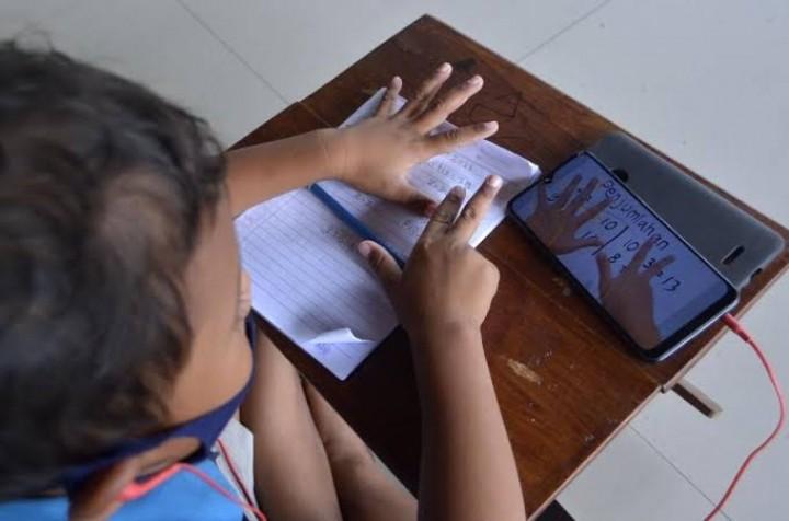 Menyoal Pembelajaran Jarak Jauh yang Bikin Emak-Emak  'Ngedumel'
