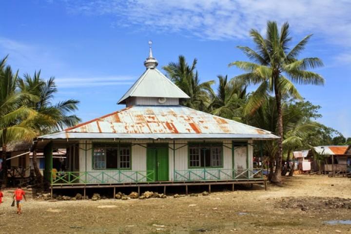 65 Kepala Keluarga di Pulau Gusung Dievakuasi
