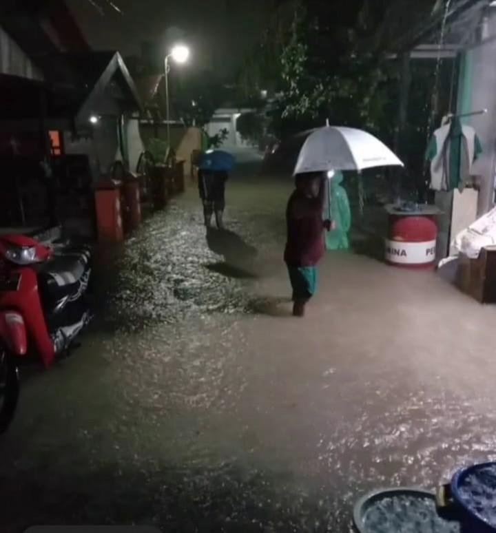 Hujan Lebat 1,5 jam; Rumah Warga Terendam Banjir Lagi