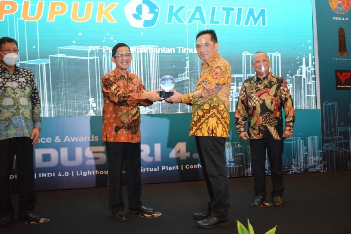 Pupuk Kaltim Raih Penghargaan Lighthouse Industry 4.0 dari Kemenperin, Jadi Role Model Transformasi Digital Industri di Indonesia