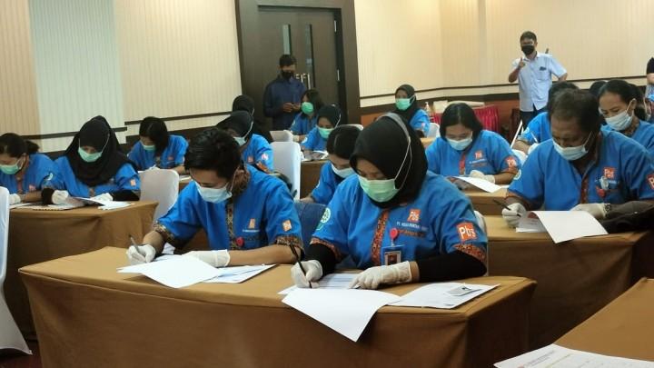 Tingkatkan Skill Karyawan, PT PBS Gelar Uji Kompetensi Professional Cleaning Service